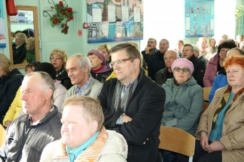 Ответы повисли в воздухе. Жители миасского посёлка Северные печи встретились с чиновниками