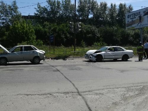 Трусливой рысцой сбежал с места ДТП. В Миассе водитель, устроивший аварию, скрылся сразу же после столкновения