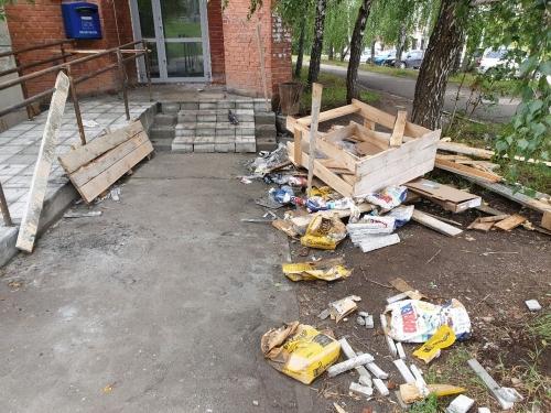 Мусор нужно убрать! Жители Миасса жалуются на мусор вокруг стройки